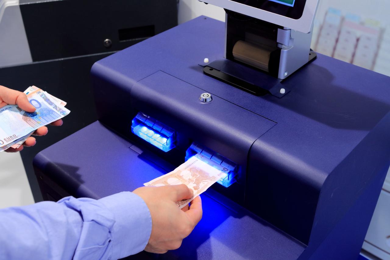 La mise en place d'automate de dépôt dans les commerces assure un système d'encaissement sécurisé.